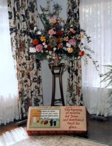 Kneeler with flowers